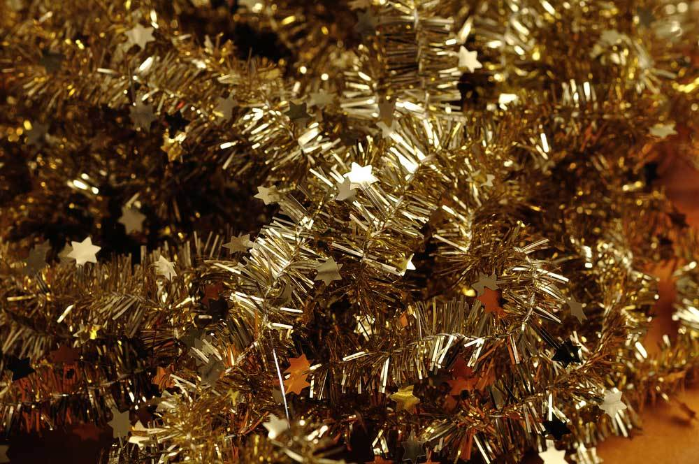 gold tinsel with stars garland