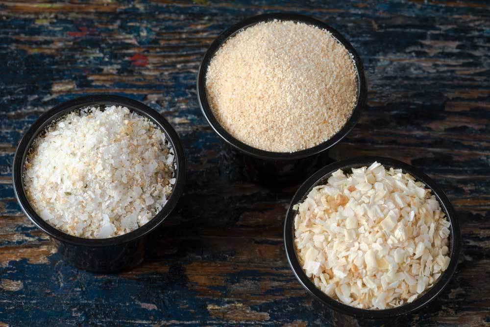 3 bowls with onion powder, garlic powder  and dried minced garlic